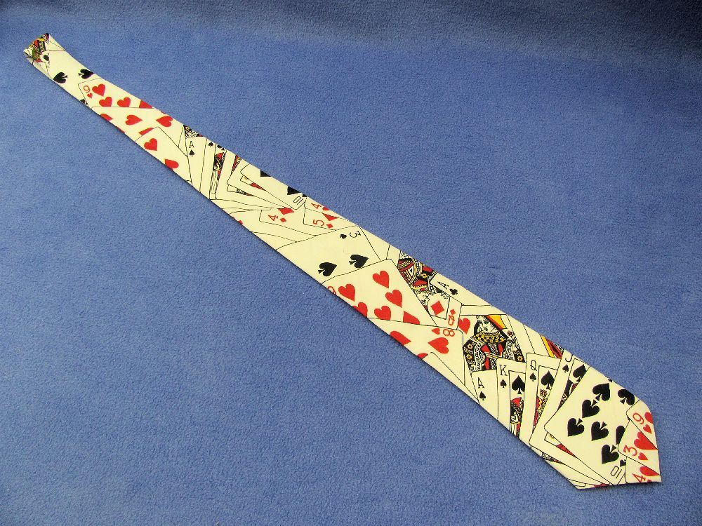 card tie