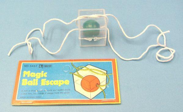 Magic Ball Escape